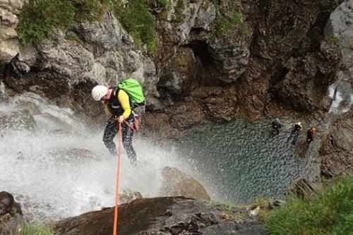 Canyoning für Abenteurer – Integrale mit Hüttenübernachtung